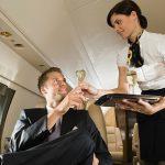 Авиакомпания KLM запустила приложение виртуальной реальности, имитирующее полет в премиум-классе