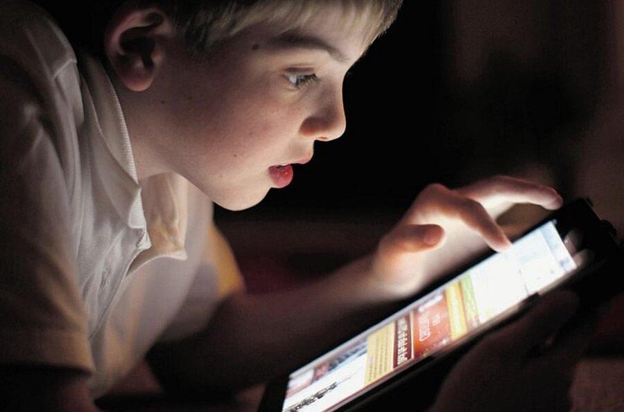 Страшные мобильные игры, которые могут навредить детям или нет