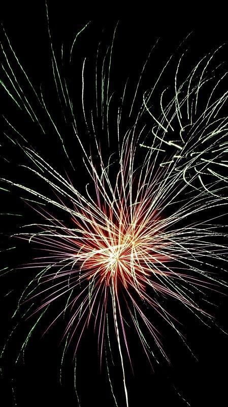 новогодние обои, обои бенгальские огни, обои фейерверки, обои салюты
