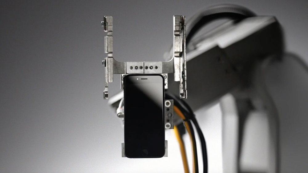 Ох уж этот Айфон: 5 интересных фактов про смартфоны Apple